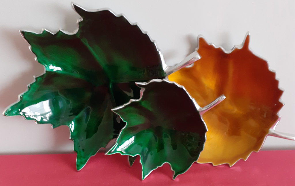 Set of 3 Leaf Design Dishes