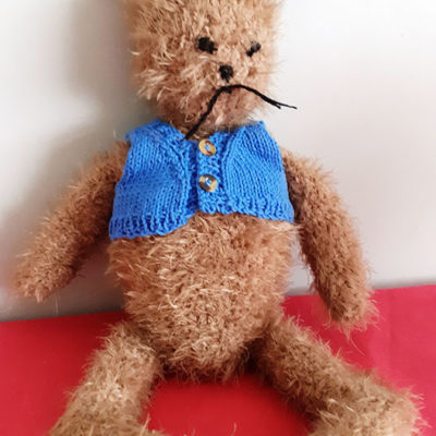 Knitted Rabbit looking for love
