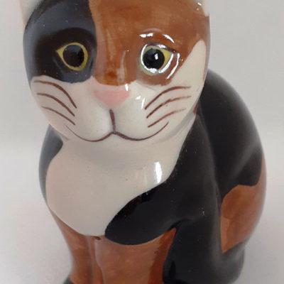 Quail Medium Ceramic Cat